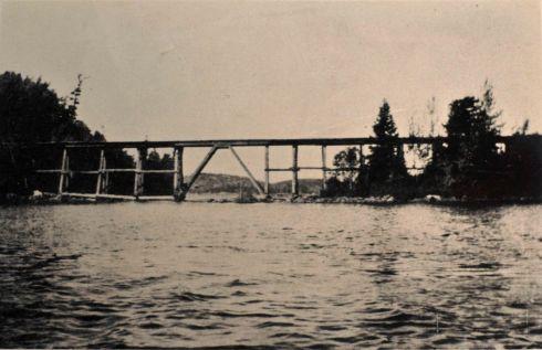 Gunflint Narrows trestle, 1911. (W. Germaniuk)